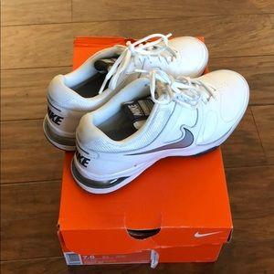 White Nike Tennis Shoes 7.5